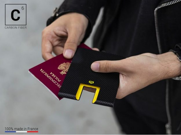 CARBON PASSPORT CLIP