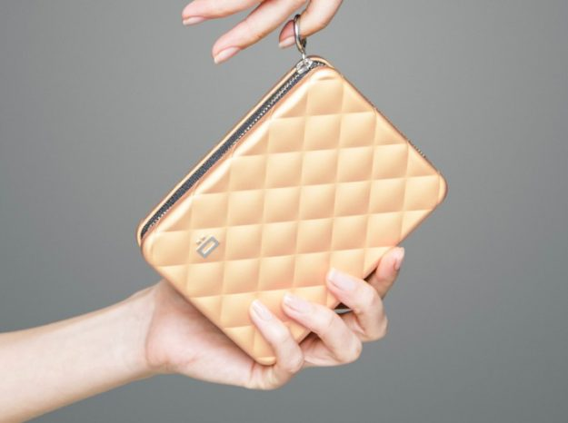 QUILTED PASSPORT rose gold